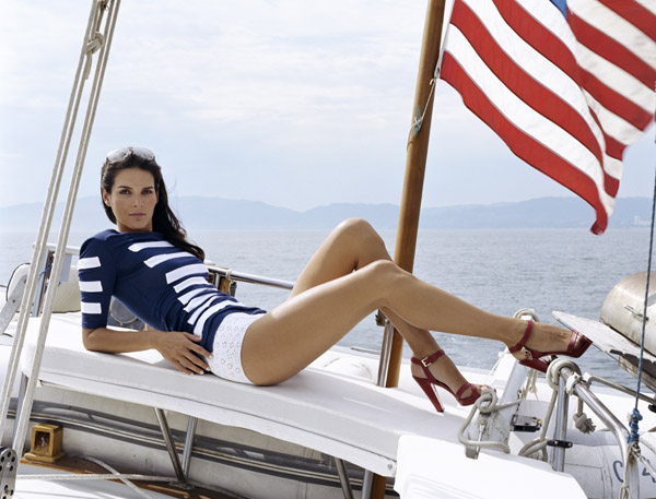 Angie Harmon calls Charlotte, North Carolina home.