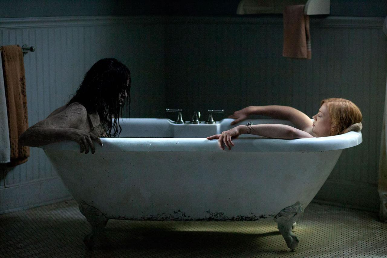 'Jessabelle' takes a bath with Sarah Snook, filmed in Wilmington, North Carolina.
